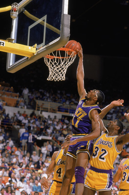 SALT LAKE CITY - 1988:  Thurl Bailey #41 of the Utah Jazz dunks the ball during an NBA game at The Salt Palace in Salt Lake City, Utah in 1988. (Photo by Stephen Dunn/Getty Images)