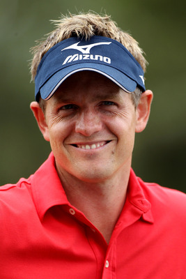 BETHESDA, MD - JUNE 14:  Luke Donald of England waits on the practice ground during a practice round prior to the start of the 111th U.S. Open at Congressional Country Club on June 14, 2011 in Bethesda, Maryland.  (Photo by Andrew Redington/Getty Images)