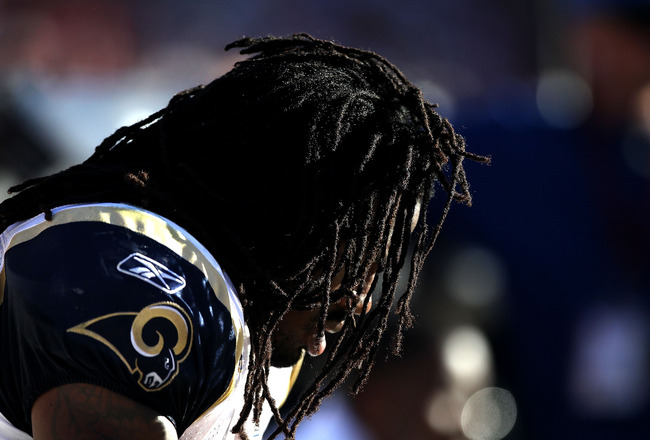 SAN FRANCISCO - NOVEMBER 14:  Steven Jackson #39 of the St. Louis Rams sits on the bench during their game against the San Francisco 49ers at Candlestick Park on November 14, 2010 in San Francisco, California.  (Photo by Ezra Shaw/Getty Images)