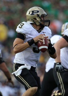 SOUTH BEND, IN - SEPTEMBER 04: Robert Marve #9 of the Purdue Boilermakers looks out while looking for a receiver against the Notre Dame Fighting Irish at Notre Dame Stadium on September 4, 2010 in South Bend, Indiana. (Photo by Jonathan Daniel/Getty Image