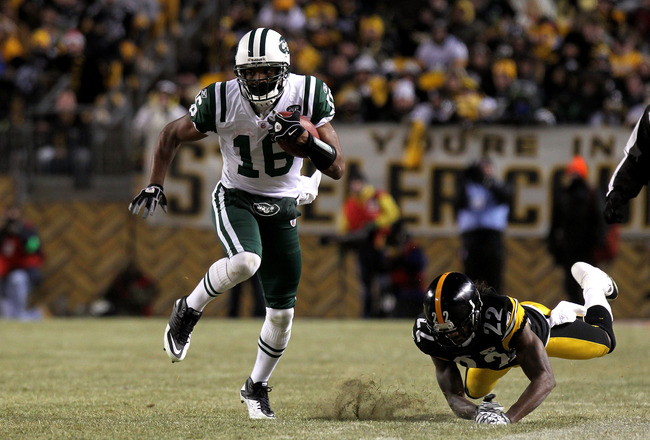 PITTSBURGH, PA - JANUARY 23:  Brad Smith #16 of the New York Jets runs with the ball against William Gay #22 of the Pittsburgh Steelers during the 2011 AFC Championship game at Heinz Field on January 23, 2011 in Pittsburgh, Pennsylvania. The Steelers won