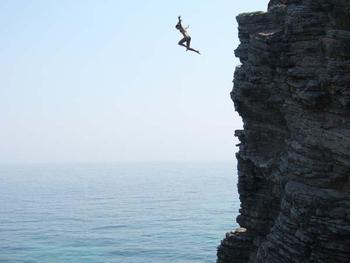 Cliffjumping_display_image