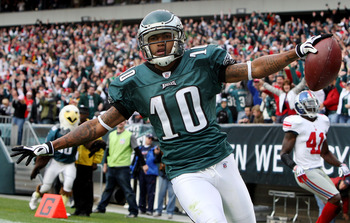 PHILADELPHIA - NOVEMBER 01:  DeSean Jackson #10 of the Philadelphia Eagles celebrates his second quarter touchdown against the New York Giants on November 1, 2009 at Lincoln Financial Field in Philadelphia, Pennsylvania.  (Photo by Jim McIsaac/Getty Image