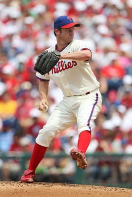 PHILADELPHIA - JUNE 12: Starting pitcher Roy Oswalt #44 of the Philadelphia Phillies throws a pitch during a game against the Chicago Cubs at Citizens Bank Park on June 12, 2011 in Philadelphia, Pennsylvania. (Photo by Hunter Martin/Getty Images)