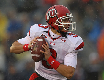 SOUTH BEND, IN - NOVEMBER 13: Jordan Wynn #3 of the Utah Utes looks for a recevier against the Notre Dame Fighting Irish at Notre Dame Stadium on November 13, 2010 in South Bend, Indiana.  (Photo by Jonathan Daniel/Getty Images)