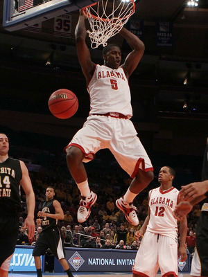 NEW YORK, NY - MARCH 31: Tony Mitchell #5 of the Alabama Crimson Tide dunks against the Wichita State Shockers during the 2011 NIT Championship game on March 31, 2011 at Madison Square Garden in New York City. Wichita State defeated Alabama 66-57.  (Photo