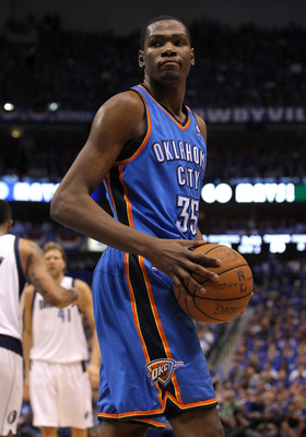 DALLAS, TX - MAY 25:  Kevin Durant #35 of the Oklahoma City Thunder reacts in the second quarter while taking on the Dallas Mavericks in Game Five of the Western Conference Finals during the 2011 NBA Playoffs at American Airlines Center on May 25, 2011 in