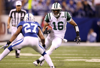 INDIANAPOLIS, IN - JANUARY 08:  Brad Smith #16 of the New York Jets runs with the ball against the Indianapolis Colts during their 2011 AFC wild card playoff game at Lucas Oil Stadium on January 8, 2011 in Indianapolis, Indiana. The Jets won 17-16.  (Phot