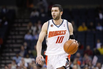 CHARLOTTE, NC - MARCH 16:  Vladimir Radmanovic #10 of the Charlotte Bobcats dribbles the ball against the Toronto Raptors during their game at Time Warner Cable Arena on March 16, 2009 in Charlotte, North Carolina.  NOTE TO USER: User expressly acknowledg