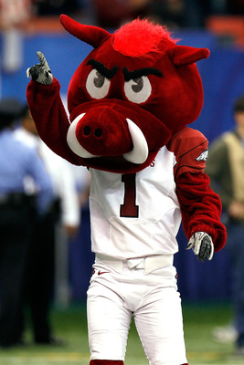 NEW ORLEANS, LA - JANUARY 04:  The Arkansas Razorbacks mascot points during the Allstate Sugar Bowl against the Ohio State Buckeyes at the Louisiana Superdome on January 4, 2011 in New Orleans, Louisiana.  (Photo by Kevin C. Cox/Getty Images)