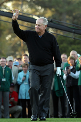 AUGUSTA, GA - APRIL 07:  Jack Nicklaus waves to the gallery prior to start the first round of the 2011 Masters Tournament at Augusta National Golf Club on April 7, 2011 in Augusta, Georgia.  (Photo by Andrew Redington/Getty Images)