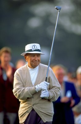 8 Apr 1999:  Gene Sarazen of the USA starts the 1999 US Masters at the Augusta National GC in Augusta, Georgia, USA.  \ Mandatory Credit: Stephen Munday /Allsport