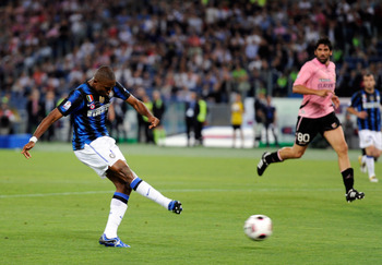 ROME, ITALY - MAY 29:  Samuel Eto'o of Inter Milan scores the second goal during the Tim Cup final between FC Internazionale Milano and US Citta di Palermo at Olimpico Stadium on May 29, 2011 in Rome, Italy.  (Photo by Claudio Villa/Getty Images)