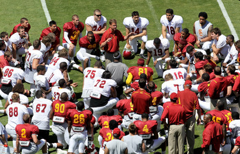LOS ANGELES, CA - MAY 01:  Head coach Lane Kiffin addresses the team following the  USC Trojans spring game on  May 1, 2010 at the Los Angeles Memorial Coliseum in Los Angeles, California.  (Photo by Stephen Dunn/Getty Images)