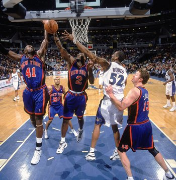 27 Dec 2000:  Larry Johnson #2 of the New York Knicks moves for the ball with teammate Glen Rice #41 during the game against the Washington Wizards at the MCI Center in Washington, D.C.  The Knicks defeated the Wizards 89-82.    NOTE TO USER: It is expres