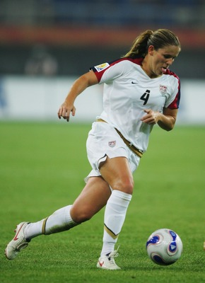 TIANJIN, CHINA - SEPTEMBER 22:  Cat Whitehill of the USA in action during the Women's World Cup 2007 quarter final match between the USA and England at Tianjin Olympic Center Stadium on September 22, 2007 in Tianjin, China.  (Photo by Guang Niu/Getty Imag