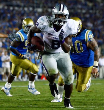 PASADENA, CA - SEPTEMBER 19:  Runningback Daniel Thomas #8 of the Kansas State Wildcats carries the ball against the UCLA Bruins at the Rose Bowl on September 19, 2009 in Pasadena, California. UCLA defeated Kansas State 23-9.  (Photo by Jeff Gross/Getty I