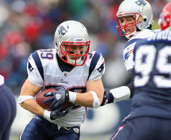 ORCHARD PARK, NY - DECEMBER 26:  Danny Woodhead #39 of the New England Patriots runs against the Buffalo Bills  at Ralph Wilson Stadium on December 26, 2010 in Orchard Park, New York.  (Photo by Rick Stewart/Getty Images)