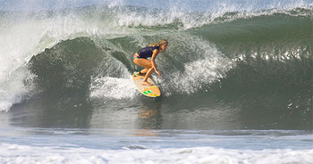 Holly-beck-surfline-feature_display_image
