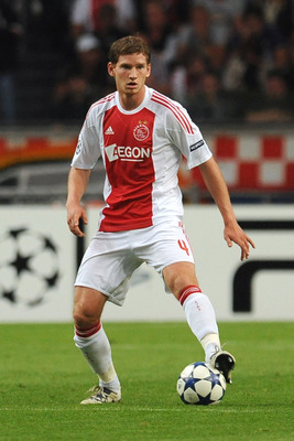 AMSTERDAM, NETHERLANDS - AUGUST 25:  Jan Vertonghen of AFC Ajax in action during the Champions League Play-off match between AFC Ajax and FC Dynamo Kiev at Amsterdam Arena on August 25, 2010 in Amsterdam, Netherlands.  (Photo by Valerio Pennicino/Getty Im