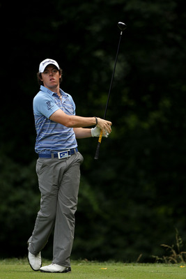BETHESDA, MD - JUNE 17:  Rory McIlroy of Northern Ireland hits his tee shot on the 14th hole during the second round of the 111th U.S. Open at Congressional Country Club on June 17, 2011 in Bethesda, Maryland.  (Photo by Andrew Redington/Getty Images)