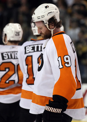 BOSTON, MA - MAY 06: Scott Hartnell #19 of the Philadelphia Flyers reacts after the loss to the Boston Bruins in Game Four of the Eastern Conference Semifinals during the 2011 NHL Stanley Cup Playoffs at TD Garden on May 6, 2011 in Boston, Massachusetts.