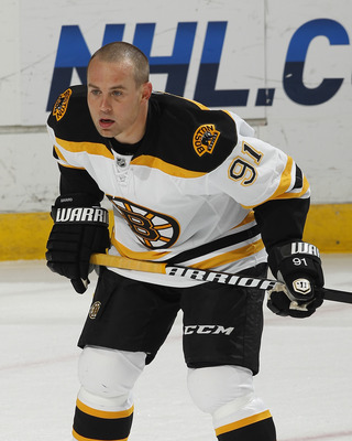 SUNRISE, FL - DECEMBER 27: Marc Savard #91 of the Boston Bruins warms up prior to the game against the Florida Panthers on December 27, 2010 at the BankAtlantic Center in Sunrise, Florida. The Bruins defeated the Panthers 3-2 in a shoot-out. (Photo by Joe
