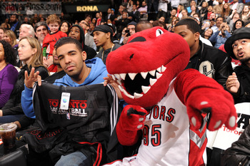 Drake-toronto-raptors-game-1_display_image