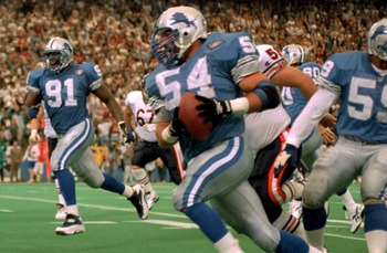 23 OCT 1994:  DETROIT LION LINEBACKER CHRIS SPIELMAN HEADS FOR THE ENDZONE AFTER STRIPPING THE BALL FROM THE HANDS OF CHICAGO BEAR CHRIS GEDNEY DURING THE FIRST HALF OF THE LION''S 21-16 VICTORY OVER THE BEARS. Mandatory Credit: Todd Rosenberg/ALLSPORT