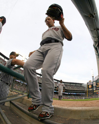 DETROIT, MI - JUNE 15:  Asdrubal Cabrera #13 of the Cleveland Indians steps down into the dugout during a MLB game against the Detroit Tigers at Comerica Park on June 15, 2011 in Detroit, Michigan. Cleveland won 6-4  (Photo by Dave Reginek/Getty Images)