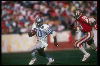 31 Dec 1983: Running back Billy Sims of the Detroit Lions moves the ball during a playoff game against the San Francisco 49ers at Candlestick Park in San Francisco, California. The 49ers won the game, 24-23.