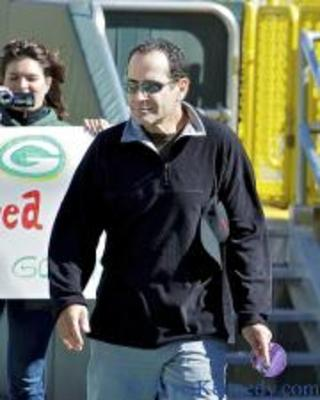 Tony_shalhoub_0_display_image
