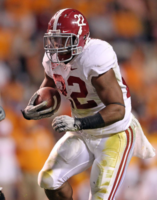 KNOXVILLE, TN - OCTOBER 23:  Mark Ingram #22 of the Alabama Crimson Tide runs with the ball during the SEC game against the Tennessee Volunteers at Neyland Stadium on October 23, 2010 in Knoxville, Tennessee.  (Photo by Andy Lyons/Getty Images)