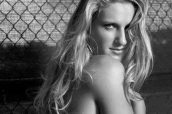 Victoria_azarenka_glamour_girl-300x200_display_image