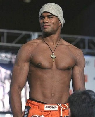 Alistairovereem4_display_image