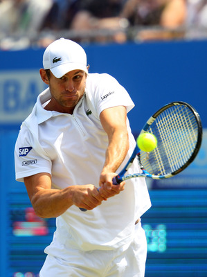 LONDON, ENGLAND - JUNE 11:  Andy Roddick of the United States returns a shot during his Men's Singles semi final match against Andy Murray of Great Britain on day six of the AEGON Championships at Queens Club on June 11, 2011 in London, England.  (Photo b