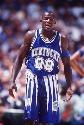 3 Dec 1994: KENTUCKY GUARD TONY DELK DURING THE WILDCATS 82-81 LOSS TO THE UCLA BRUINS IN THE JOHN WOODEN CLASSIC AT THE ANAHEIM POND IN ANAHEIM, CALIFORNIA.