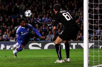 LONDON, ENGLAND - NOVEMBER 03:  Daniel Sturridge of Chelsea heads over the crossbar from close range during the UEFA Champions League group F match between Chelsea and Spartak Moscow at Stamford Bridge on November 3, 2010 in London, England.  (Photo by Cl