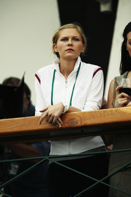 LONDON - JULY 1:  Actress Kirsten Dunst is pictured during the filming of the movie 'Wimbledon' during the Women's Quarter Finals at the Wimbledon Lawn Tennis Championships held on July 1, 2003 at the All England Lawn Tennis and Croquet Club, in Wimbledon