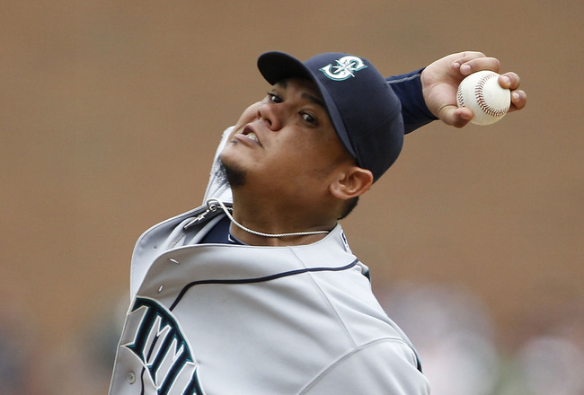 DETROIT - JUNE 12:  Felix Hernandez #34 of the Seattle Mariners pitches in the eight inning during the game against the Detroit Tigers at Comerica Park on June 12, 2011 in Detroit, Michigan. Seattle defeated Detroit 7-3. (Photo by Leon Halip/Getty Images)