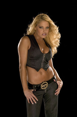 Trish_stratus_001_display_image