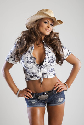 Wwe-eve-torres-high-resolution-image-gallery-photos-pictures-6_display_image