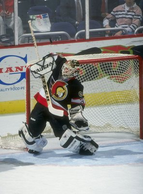 13 Jan 1998:  Goaltender Ron Tugnutt of the Ottawa Senators in action during a game against the Washington Capitals at the MCI Center in Washington, D.C.  The Capitals won the game 4-0. Mandatory Credit: Doug Pensinger  /Allsport