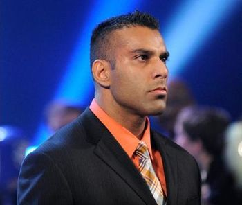 Jinder-mahal-slaps-the-great-khali-on-the-khali-kiss-cam-1352011--2_1_display_image