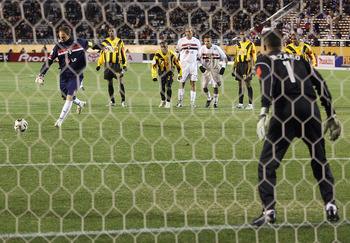 TOKYO, JAPAN - DECEMBER 14:  Sao Paulo goalkeeper Rogerio Ceni takes a penalty during the FIFA Club World Championship Toyota Cup 2005 match between Sao Paulo FC and Al Ittihad at the National Stadium on December 14, 2005 in Tokyo, Japan. (Photo by Koichi