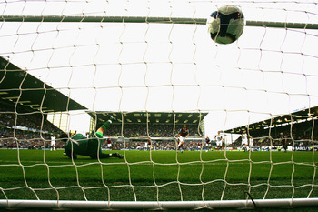BURNLEY, ENGLAND - SEPTEMBER 19:  Graham Alexander of Burnley puts his penalty kick past Craig Gordon of Sunderland during the Barclays Premier League match between Burnley and Sunderland at Turf Moor on September 19, 2009 in Burnley, England.  (Photo by