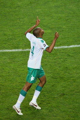 ISTANBUL, TURKEY - MAY 20:  Naldo of Werder Bremen celebrates after scoring his team's first goal during the UEFA Cup Final between Shakhtar Donetsk and Werder Bremen at the Sukru Saracoglu Stadium on May 20, 2009 in Istanbul, Turkey.  (Photo by Ryan Pier