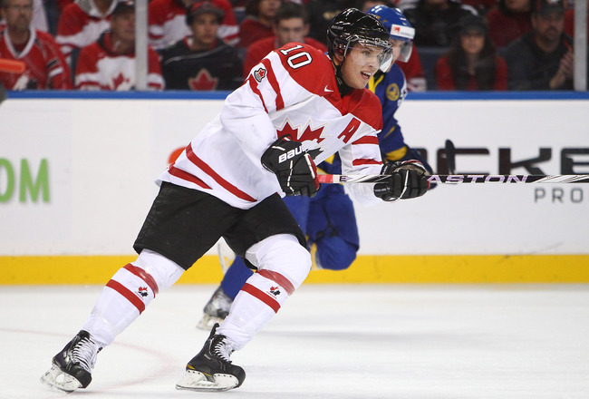 BUFFALO, NY - DECEMBER 31: Forward Brayden Schenn #10 of Canada looks for the puck during the 2011 IIHF World U20 Championship game between Canada and Sweden on December 31, 2010 at HSBC Arena in Buffalo, New York. (Photo by Tom Szczerbowski/Getty Images)
