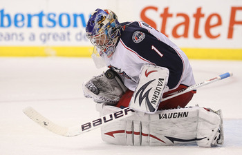 DALLAS, TX - FEBRUARY 13:  Goaltender Steve Mason #1 of the Columbus Blue Jackets makes a save against the Dallas Stars on February 13, 2011 in Dallas, Texas.  (Photo by Ronald Martinez/Getty Images)