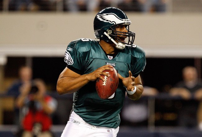 ARLINGTON, TX - JANUARY 03:  Quarterback Donovan McNabb #5 of the Philadelphia Eagles at Cowboys Stadium on January 3, 2010 in Arlington, Texas.  (Photo by Ronald Martinez/Getty Images)